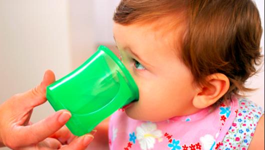 Guía de líquidos para niños pequeños