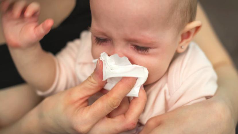 10 señales que tu hijo tiene alergias y no un resfrío