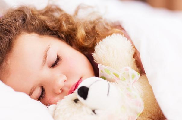 ¿Cómo puedo proteger a mi niño de los alérgenos?